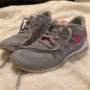 2/$20 ✨ Women's Nike Free Run